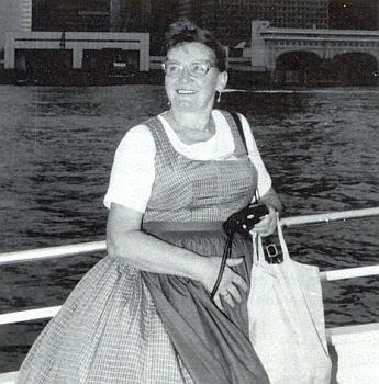 Na okružní plavbě kolem newyorského Manhattanu v roce 1988, z téhož putování se Šumavany
