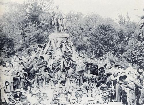 Památník Josefa II. ve vimperském městském parku, odstraněný prý hned v roce 1918