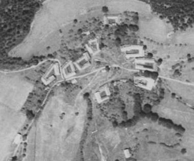 Záhoří na leteckých snímcích z let 1952 a 2011 (Bláto u Mladoňova viz zde)