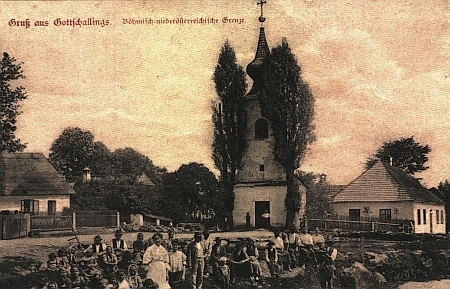 Dvě pohlednice ze vsi Košťálkov (Gottschallings), jejíž německé místní jméno uvádí Hauer jako příklad německé kolonizace Vitorazska