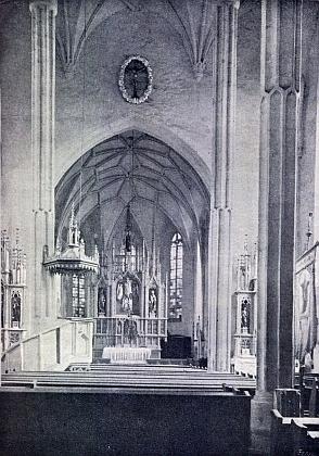 Vnitřek farního kostela sv. Jiljí v Dolním Dvořišti