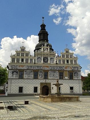 Renesanční radnice v rodném Stříbře