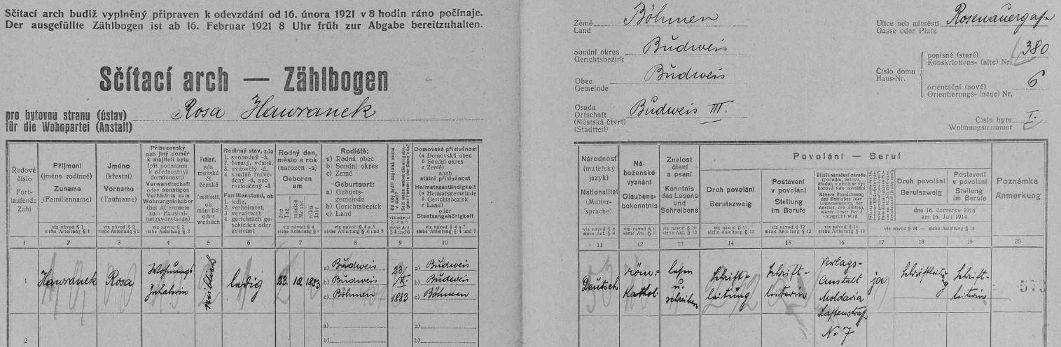 Podle archu sčítání lidu z roku 1921 bydlila sama v domě na dnešní Dvořákově ulici čp. 380/6 jako redaktorka nakladatelství Moldavia