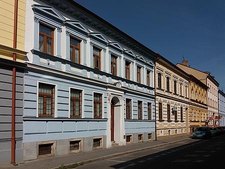 Dům s orientačním číslem 6 v českobudějovické Dvořákově ulici na snímku z roku 2017