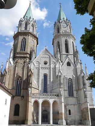 Klášterní kostel v Klosterneuburg v Dolním Rakousku, kde vstoupil do řádu augustiniánů