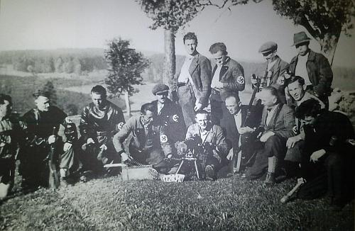 """Příslušníci sudetoněmeckého Freikorpsu z tehdy už """"říšského""""Guglwaldu v roce 1938"""