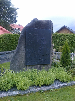 Památník obětem válek a odsunu v Guglwaldu