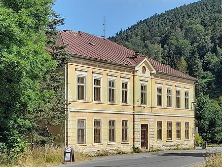 Někdejší škola v Rejštejně