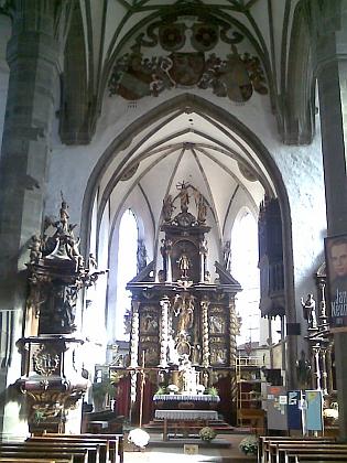 Staroslavný chrám sv. Jakuba v Prachaticích zvenčí i zevnitř