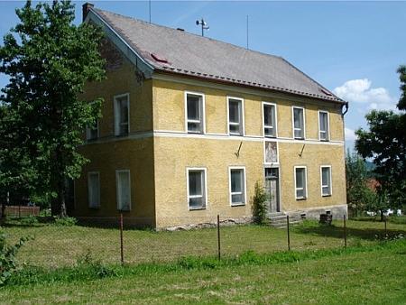 Škola v Klenové