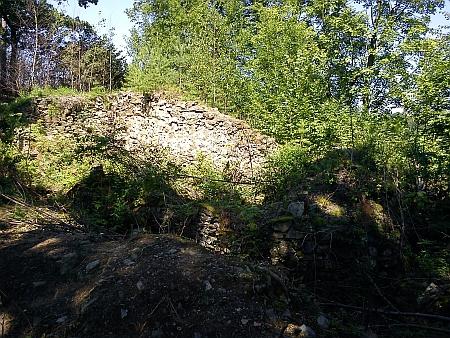 Zřícenina hradu Velešín (viz i Karl Strobl aWenzel Nejedly)