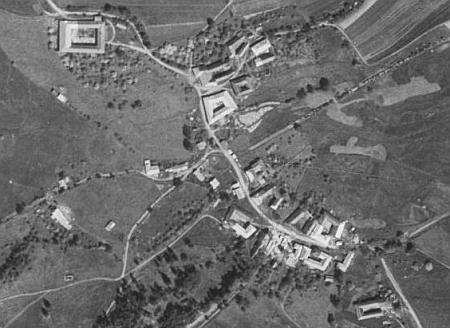 Rodné Mýto u Hořic na Šumavě na leteckých snímcích z roku 1949 a2008