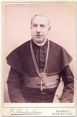 Biskup Martin Josef Říha, zde zachyceným na kabinetním snímku z doby kolem roku 1885
