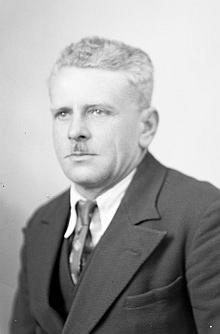 Bratr Julius na snímku ze Seidelova fotoateliéru z dubna 1942