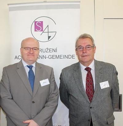 Jako nový předseda českého sdružení Ackermann-Gemeinde a jeho předchůdce v téže funkci (a mnohem dříve ive funkci ministra kultury) Jaromír Talíř