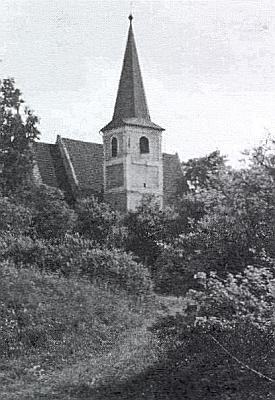 Dva snímky kostela sv. Vavřince u Štítar