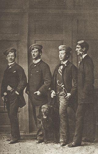 """Mezi členy vídeňského studentského spolku """"Wiener akademische Burschenschaft Albia"""", horlivě německy nacionálně cítícími, jako tehdy i on"""