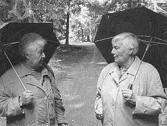 S Barbarou Coudenhove-Kalergi v Horní Plané 2002, kdy se účastnily obě v září tamních Hornoplánských rozprav a na výletě ke Schwarzenberskému kanálu o přestávce jednání