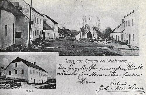 Stará pohlednice Pravětína i se školou, do níž chodil
