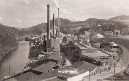 Vývoj papírny Pečkovský mlýn v řadě snímků z let 1870, 1890, kolem roku 1900, 1914, 1924, po roce 1930 a 1940