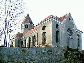 V poválečných letech podléhala synagoga postupné devastaci