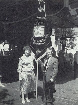 Se svým bratrancem Willibaldem Iraschko, který roku 1988 přijel na pouť po stopách Jana Nepomuka Neumanna do Filadelfie zkanadského Toronta