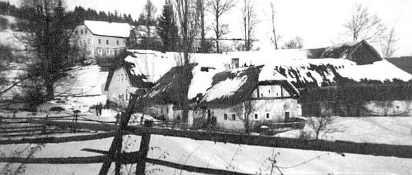 Také ves Kamenná (Stein) ležela blízko Valdova a Čižkrajic pod Chobolkou blízko hranice
