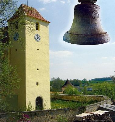 Fotomontáž s věží kostela sv. Jana Křtitele v Žumberku ajejím zvonem