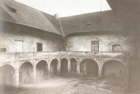 Zámek Kopec na snímcích z roku 1928...