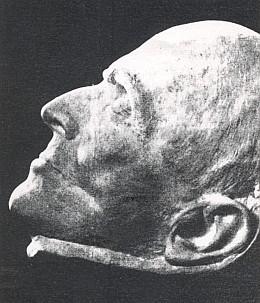 Básníkova posmrtná maska