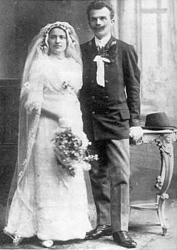 ... a jeho svatební foto