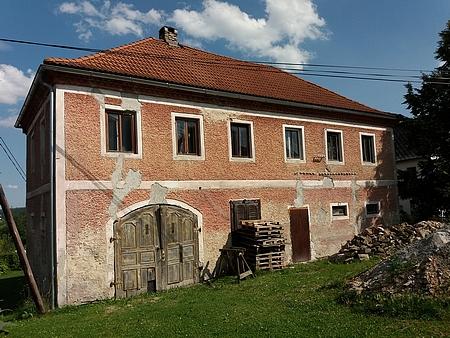 Dům čp. 17 v Hodňově na snímku z léta 2020