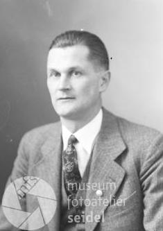 Na dvou snímcích z ledna 1939