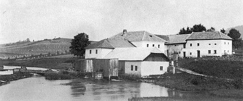 S výstavbou Lipenské přehrady zanikl v Horách zatopením i vltavský mlýn zvaný Zaunmühle, zmiňovaný v jejím textu (viz i Adolf Webinger)