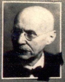 Na tablu studentek německého učitelského ústavu v roce 1945 byla jeho fotografie již označena černou páskou (viz i Valerie Maiová)