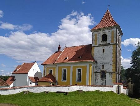 Kostel sv. Petra a Pavla ve Svérazi