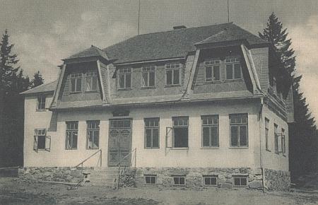 Chata na Prenetu, která pro veřejnost fungovala ještě po roce 2000