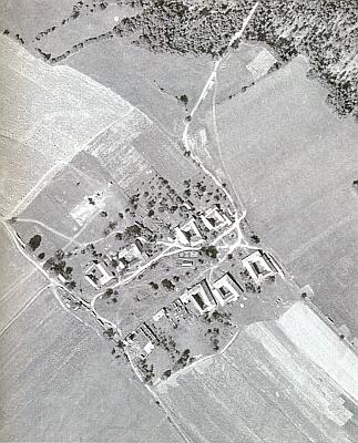 Zaniklý Polžov na leteckém snímku z roku 1958