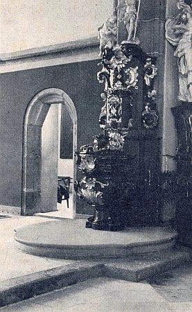 Křtitelnice arciděkanského chrámu v Horšovském Týně, kde působil až do svého uvěznění v nacistickém koncentračním táboře