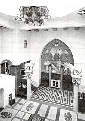 Hala městské spořitelny na snímku z roku 1936