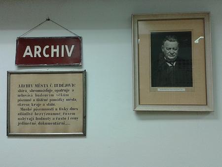 Dodnes je svými nástupci připomínán v českobudějovickém Státním okresním archívu