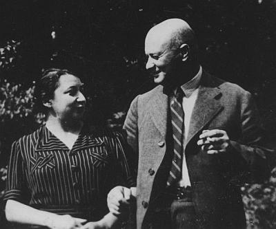 Její rodiče (1936)