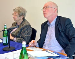 S novinářem Petrem Brodem na mezinárodní konferenci o Židech z Čech (Bohemian and Czech Jews) v Americe, pořádané roku 2010 i velvyslanetctvím České republiky ve Washingtonu