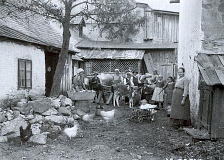 Tento snímek Josefa Seidela z téhož roku 1916 je popsán Ilgovým jménem