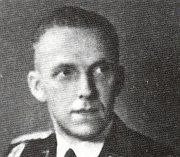 Nekvalitní podobenka zřejmě v nacistické uniformě