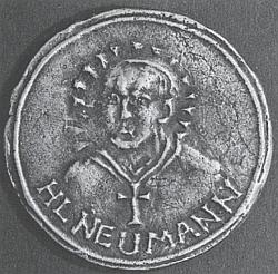 Stříbrná medaile sv. Jana Nepomuka Neumanna, kterou mu roku 1985 propůjčil prelát Johannes Barth