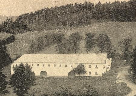 Vierkant v Nebřehově, kde se narodil