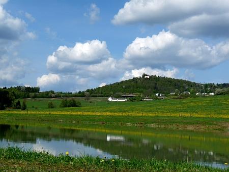 Turmberg a Ostrov (Wörles) u Malšína