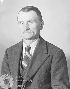 """Jako ktišský starosta na snímku s datem 20. září 1943 na adresu """"Jakesch Franz, Tisch 26"""""""