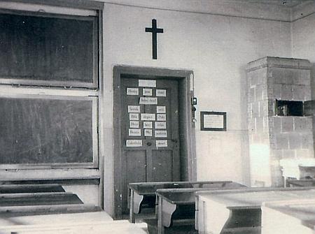 Učebna 1. třídy a kabinet ktišské školy